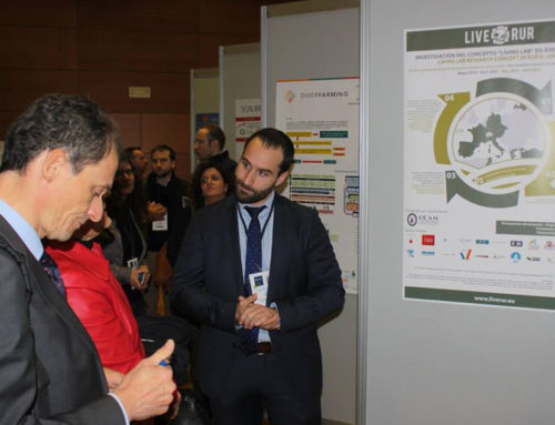 UCAM presents the european project LIVERUR to Pedro Duque
